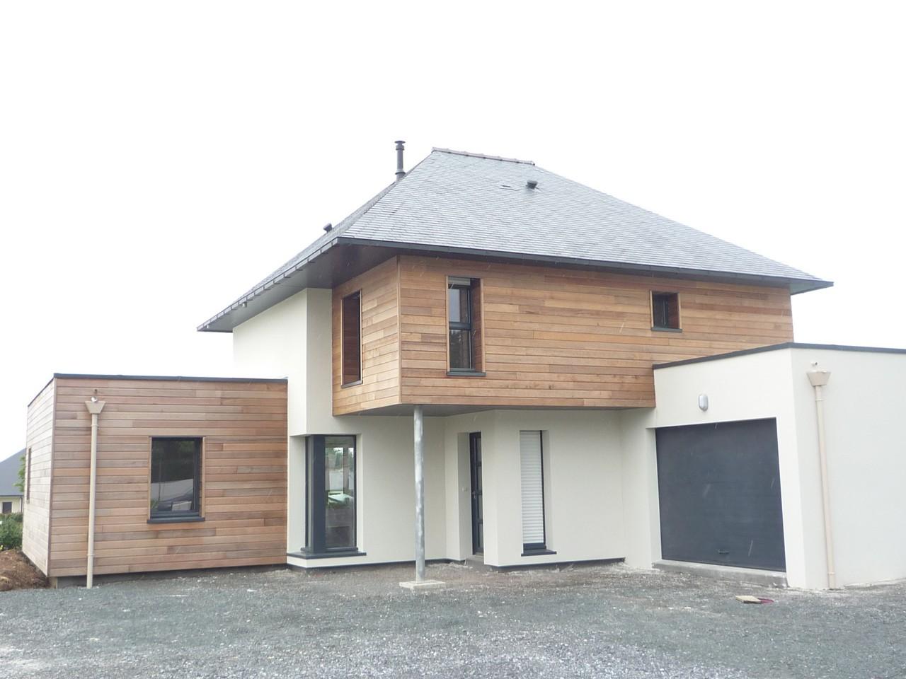 Maison en mur bois massif socoreve for Interieur maison bois massif